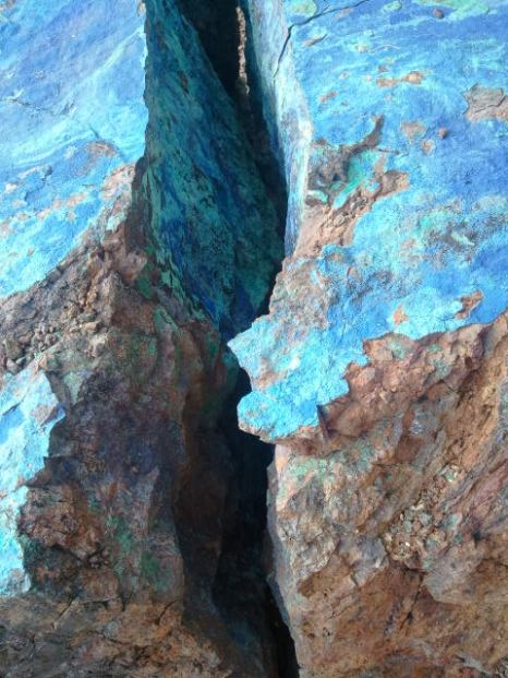 Turquoise mineral deposits