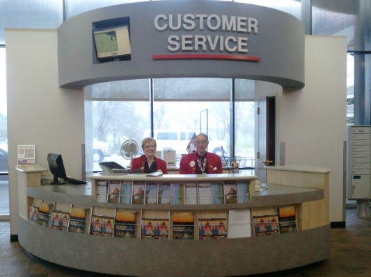 Shirley and Al at the LNK Customer Service Desk